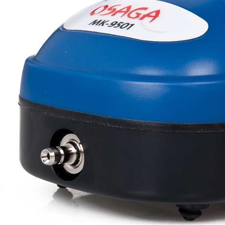 ein Schlauchanschluss 4mm am Kompressor