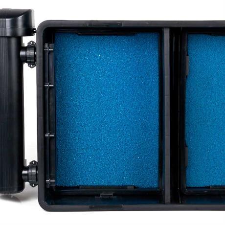 blaue Filterschwämme in den beiden Filterkörben des AquaForte 25000