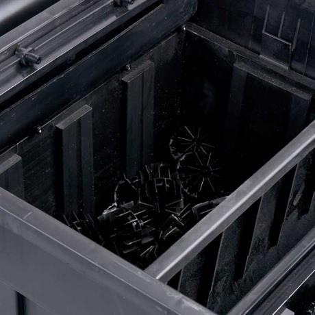 Biokammer befüllt mit schwazenen kunststoff Biokugeln