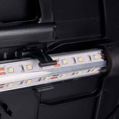 Power LED in der Abdeckung mit Halte Clips verbaut