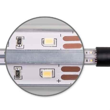 starke vergrößerung der LED SMD Bauteile in dem Modul
