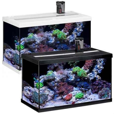 zwei Modelle des Aquarium Set in schwarz und weiss
