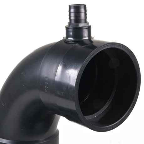 Detailansicht mit dem 110 mm Anschluss für PVC-Rohre